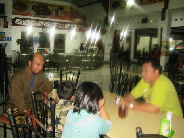 KISAH MUDIK 2010 (2) : TERHALANG BANJIR DAN DERITA MACET SEPANJANG MALAM