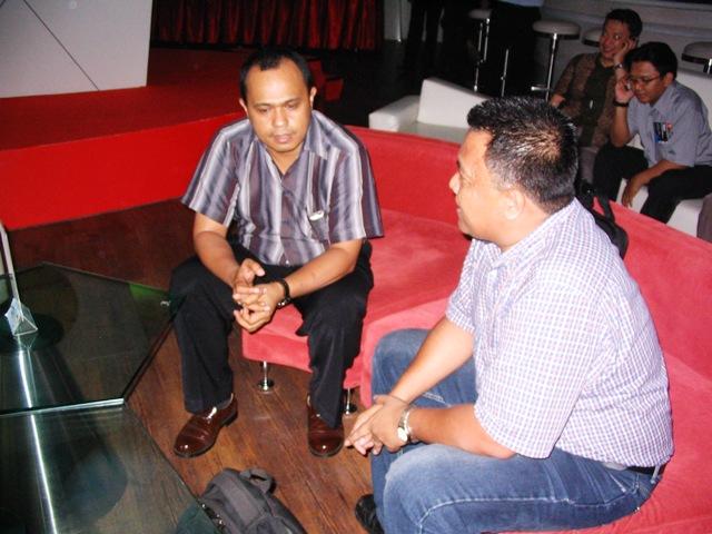 BERKONTRIBUSI UNTUK YAHOO INDONESIA