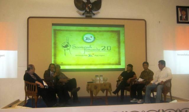 Talkshow tentang Sumpah Pemuda 2.0, dipandu oleh Jaya Suprana