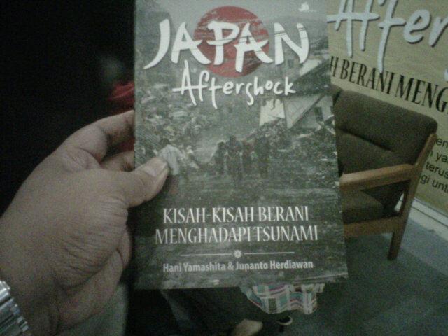 """Buku """"Japan After Shock"""""""