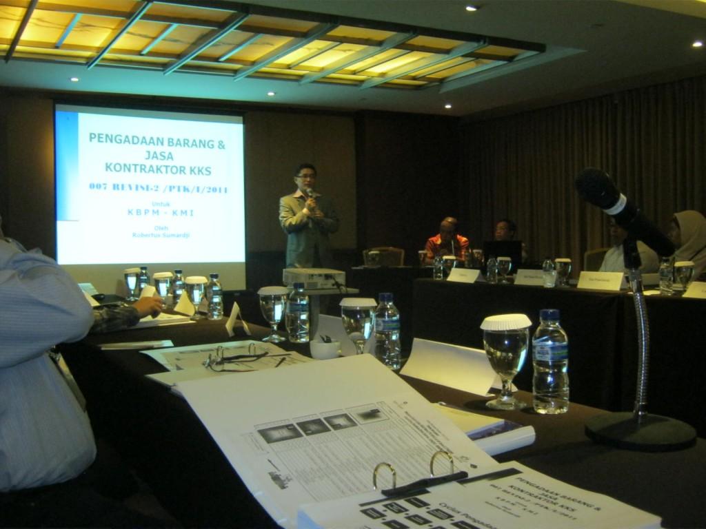 Ketua Komunitas Migas Indonesia, S.Hery Putranto menyampaikan kata sambutan Pembukaan
