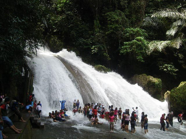 air-terjun-bantimurung-waterfall