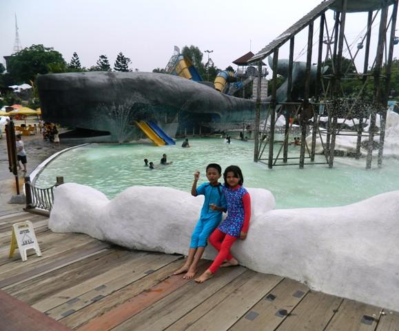 Berenang Bersenang Senang Di Snowbay Tmii Catatan Dari Hati
