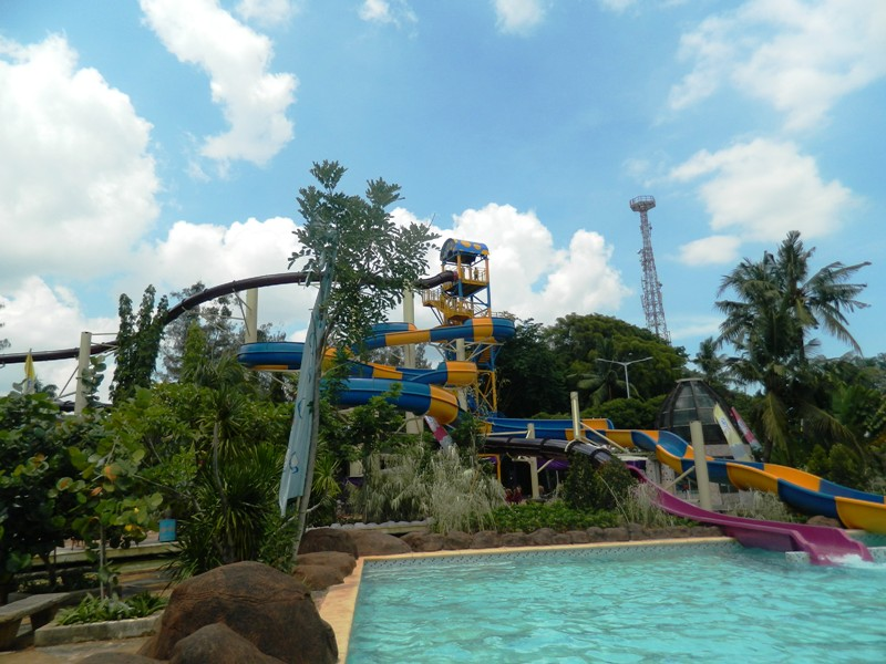 Crazy Slide Atlantis Ancol Yang Spektakuler Catatan Dari Hati