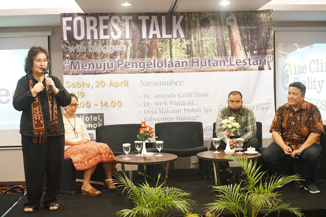 VIDEO : KEHEBOHAN SENSASIONAL FOREST TALK WITH BLOGGER PONTIANAK