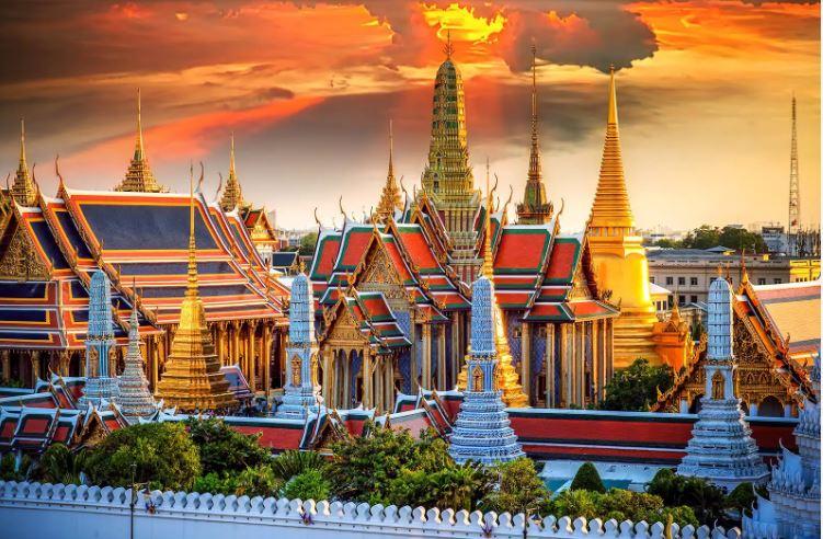 LIBURAN KE THAILAND, SERUNYA PERGI KEMANA? SIMAK EMPAT REKOMENDASI TEMPAT WISATA INI!