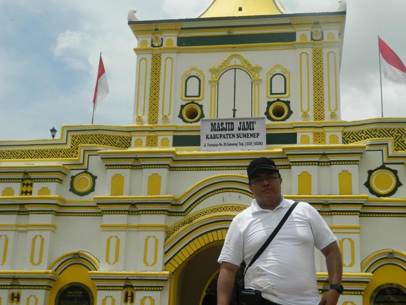 WISATA BUDAYA MADURA (4) : KEMEGAHAN KERATON SUMENEP DAN PESONA MASJID JAMI' YANG MENGGETARKAN