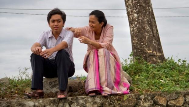 """FILM """"ATHIRAH"""" : SIMPONI SUNYI PEREMPUAN TEGAR DARI BUKAKA"""